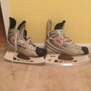 Men's Nike ice skates size 9